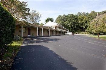 фото Americas Best Value Inn-Holyoke/Springfield 806998691