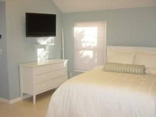 фото Luxury Beach Front Cottage 807548810