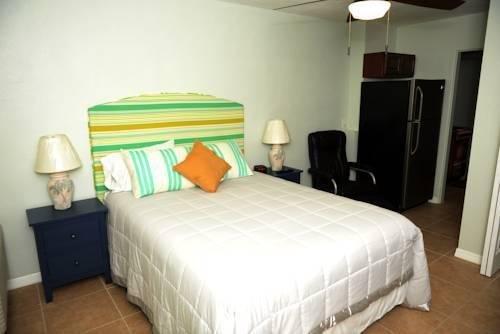 фото Beach Suites Resort 810331591