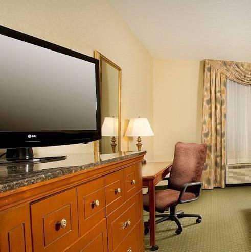 фото Drury Inn & Suites St. Louis - Fairview Heights 810332612