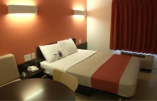 фото Motel 6 Santa Barbara - Goleta 814973637