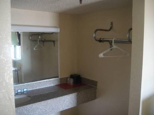 фото Crown Inn Grand Prairie 814994529
