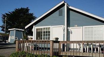 фото Bodega Harbor Inn 818925350