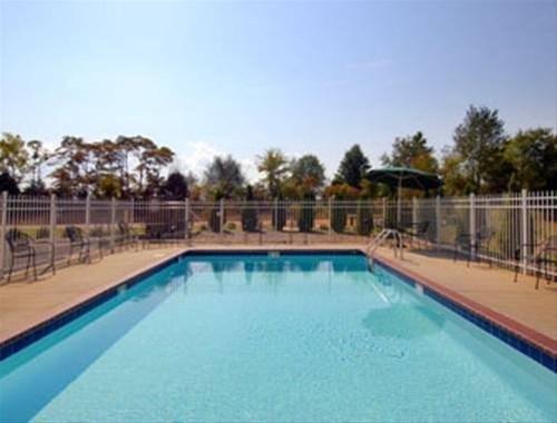фото Baymont Inn & Suites - Madison 827870837