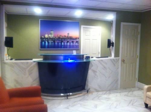 фото Boston Universal Hotel & Hostel 828396355