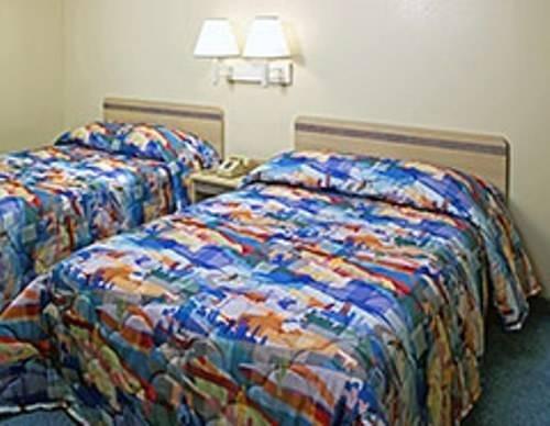 фото Motel 6 Page 828831590