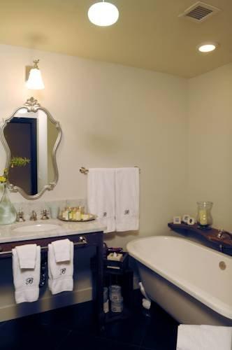 фото Bespoke Inn, Cafe & Bicycles 828834043