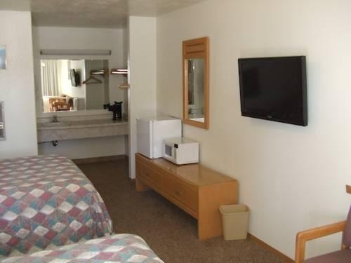 фото Blue Pine Motel 828870705