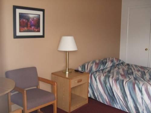 фото Blue Pine Motel 828870707