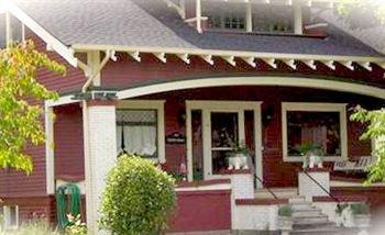 фото The Pfeiffer Cottage 83034790
