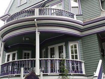 фото Coolidge Corner Guest House 83296806