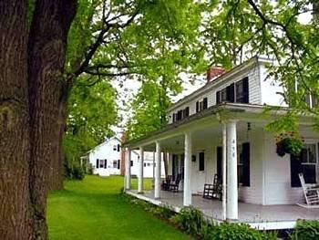 фото Hill Farm Inn 83342400