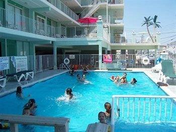 фото Four Winds Condo Motel 83346104