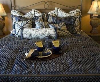 фото Yellowstone Victorian Inn 834969549