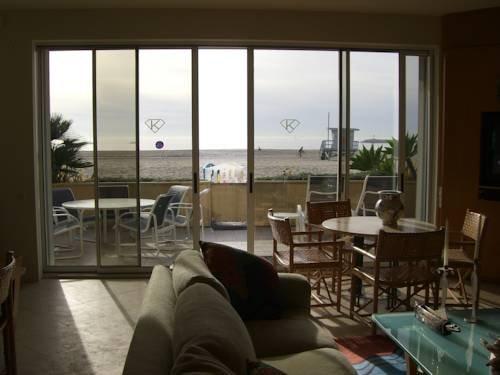 фото Modern Beach Front House 843999553