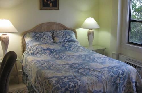 фото The Palm Beach Hotel Condominium 844084639