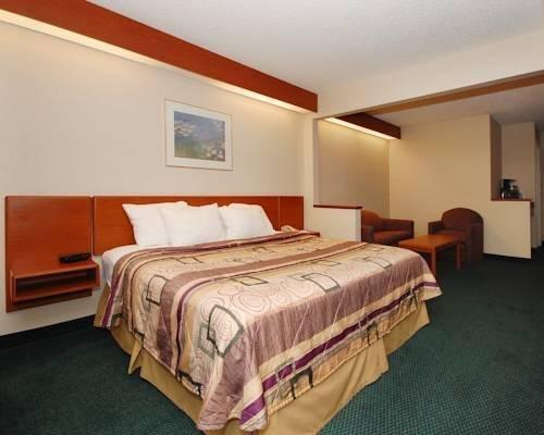 фото Chesapeake Inn and Suites Lexington Park Patuxent River Naval Air Station 844148577