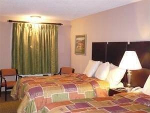 фото Pinetree Inn 844266547