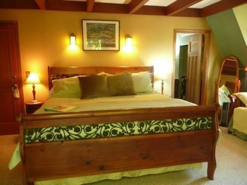 фото Green Cat Guest House 844315383