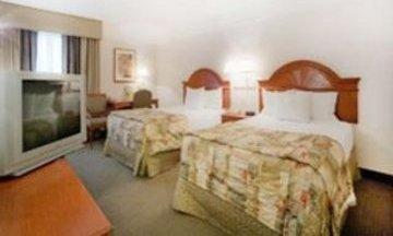 фото La Quinta Inn & Suites Bakersfield North 847019956