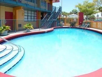 фото Econo Lodge Inn & Suites 847101756
