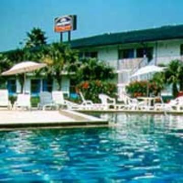 фото Howard Johnson Maingate Resort West 847139761