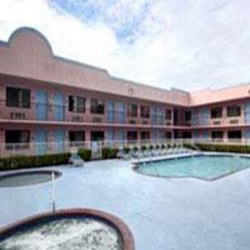 фото Travelodge Suites East Gate 847141423