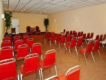 фото Quality Inn Busch Gardens 847249447