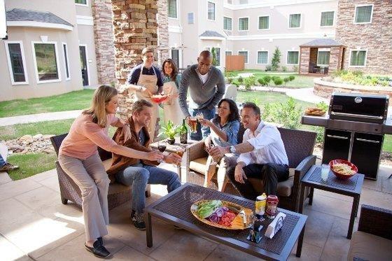 фото Staybridge Suites Denver-Stapleton 849671144