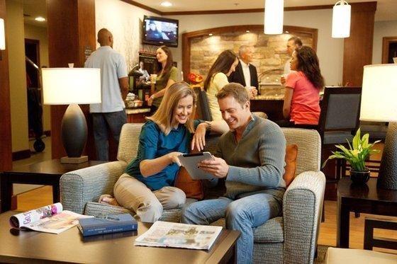 фото Staybridge Suites Denver-Stapleton 849671147