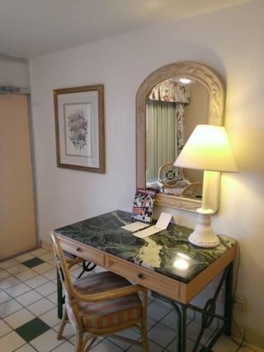 фото Days Inn Panama City Beach 854484807