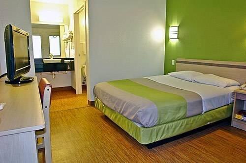 фото Motel 6 Longview North 854684527