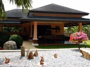 фото The Tropical Retreat Boutique Resort 859077525