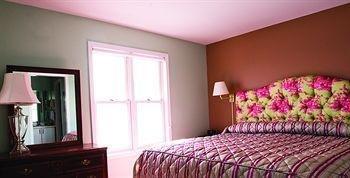 фото Harbor Place Studio Suites 872703544