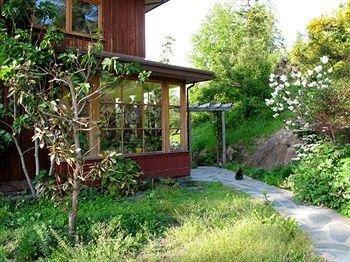 фото Twiggleberries Bed & Breakfast 874004957