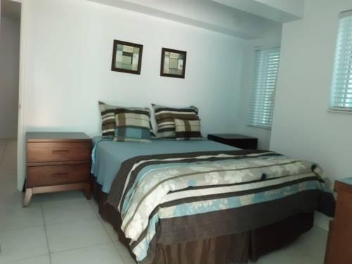фото Marlin Beachside Hotel 881621639