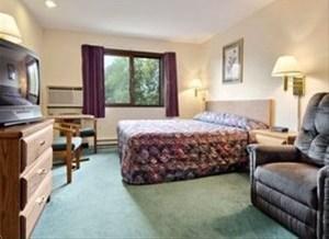 фото Super 8 Motel - Merrill City Of Parks Area 881757827