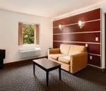 фото Days Inn and Suites Milwaukee 885853740