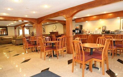 фото Best Western Prestige Inn 887646259