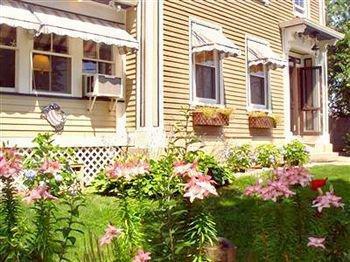 фото The Coast Village Inn Wells 887705402