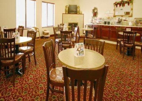фото Comfort Suites Cordova 887796107