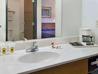 фото Americas Best Inns-Stanley 887843391