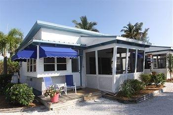 фото Tropical Winds Motel & Cottages 905121206
