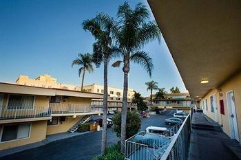 фото Star Hotel Inn & Suites 905123645