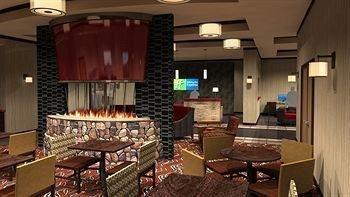 фото Holiday Inn Express Klamath Redwood Ntl Pk Area 905126391