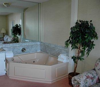 фото Lockport Inn & Suites 923344586