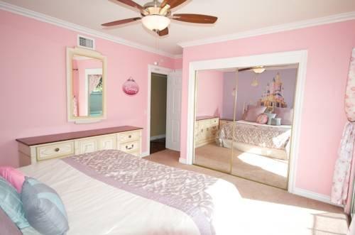 фото Castle House - Wonderland House 969484082