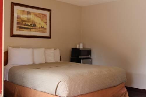 фото Vineyard Valley Inn 969487218