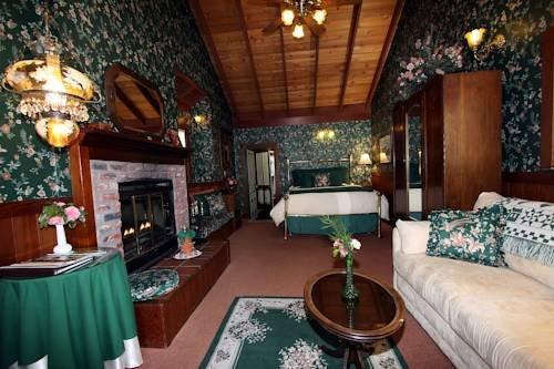 фото A Victorian Garden Inn 969506976