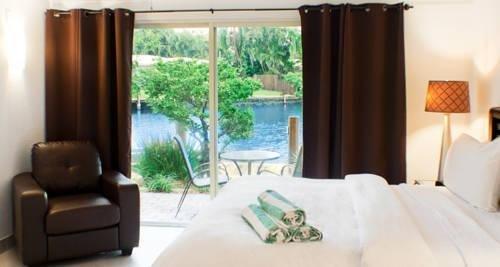 фото The Cabanas Guesthouse & Spa - Gay Men`s Resort 969521620